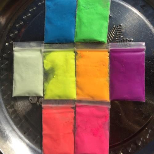 Bột màu dạ quang phát sáng trong đêm gói 10 gr 17k