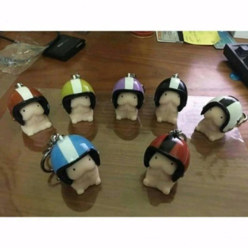 Móc khóa hình bé ciu đội nón bảo hiểm màu nón ngẫu nhiên - 12444598 , 20248979 , 15_20248979 , 84999 , Moc-khoa-hinh-be-ciu-doi-non-bao-hiem-mau-non-ngau-nhien-15_20248979 , sendo.vn , Móc khóa hình bé ciu đội nón bảo hiểm màu nón ngẫu nhiên