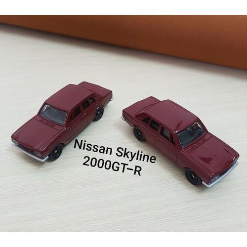 Xe mô hình tomica nissan skyline 2000gt-r