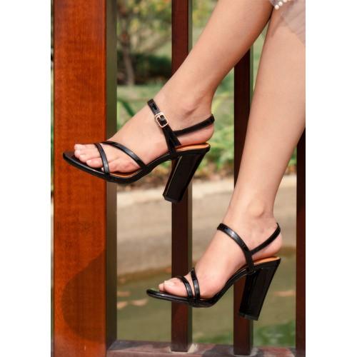 Nadia - giày sandal lamanda đế vuông 7cm da bóng màu đen - 12537713 , 20351633 , 15_20351633 , 285000 , Nadia-giay-sandal-lamanda-de-vuong-7cm-da-bong-mau-den-15_20351633 , sendo.vn , Nadia - giày sandal lamanda đế vuông 7cm da bóng màu đen