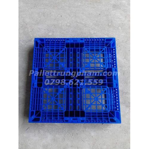 Pallet nhựa xanh dương 760x760x130mm