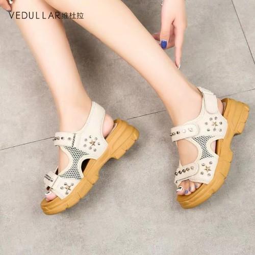 Giày sandal bánh mì phối đinh tán