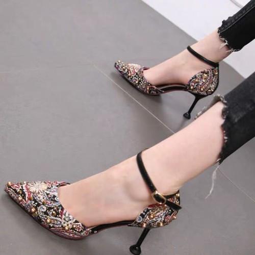 Giày sandal bít mũi sơn 7f đính ngọc - 12051857 , 19674163 , 15_19674163 , 365000 , Giay-sandal-bit-mui-son-7f-dinh-ngoc-15_19674163 , sendo.vn , Giày sandal bít mũi sơn 7f đính ngọc