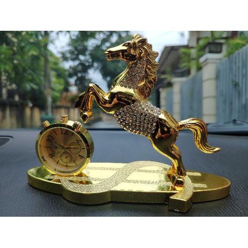Nước hoa tượng hình con ngựa trang trí xe hơi bàn làm việc