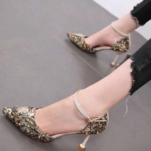 Giày sandal bít mũi sơn 7f đính ngọc - 12051843 , 19674145 , 15_19674145 , 365000 , Giay-sandal-bit-mui-son-7f-dinh-ngoc-15_19674145 , sendo.vn , Giày sandal bít mũi sơn 7f đính ngọc