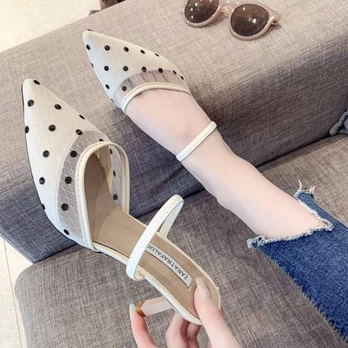 Giày cao gót họa tiết chấm bi