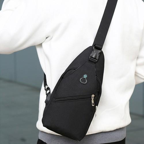 Túi đeo chéo 1 quai phong cách trẻ trung năng động