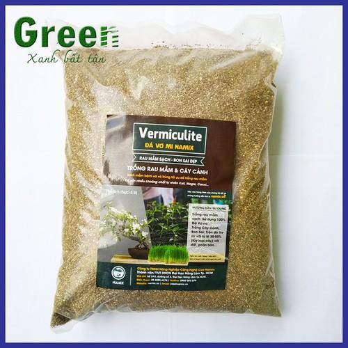 Giá thể đá vermiculite trộn đất trồng rau và hoa hồng