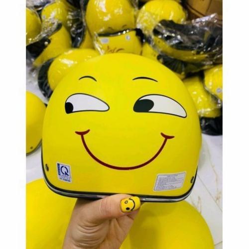 Nón emoji mặt cười nửa đầu