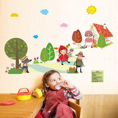 Decal dán tường cô bé quàng khăn đỏ