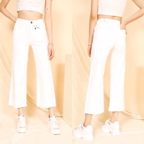 Quần jean nữ ống rộng màu trắng co giãn cá tính