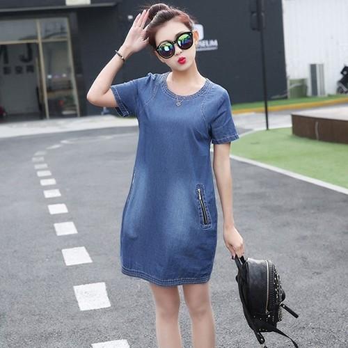 Đầm jean cổ tròn phối dây kéo túi