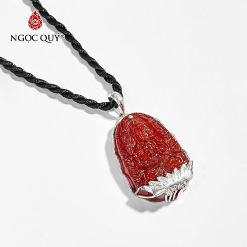 Mặt dây chuyền phật bản mệnh tuổi tý thiên thủ thiên nhãn bồ tát đá mã não đỏ 4 x 2.5 cm - ngọc quý gemstones