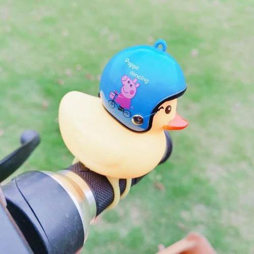 Vịt con đội nón bảo hiểm phát tiếng kêu gắn xe có đèn led - 12824811 , 20757064 , 15_20757064 , 27000 , Vit-con-doi-non-bao-hiem-phat-tieng-keu-gan-xe-co-den-led-15_20757064 , sendo.vn , Vịt con đội nón bảo hiểm phát tiếng kêu gắn xe có đèn led