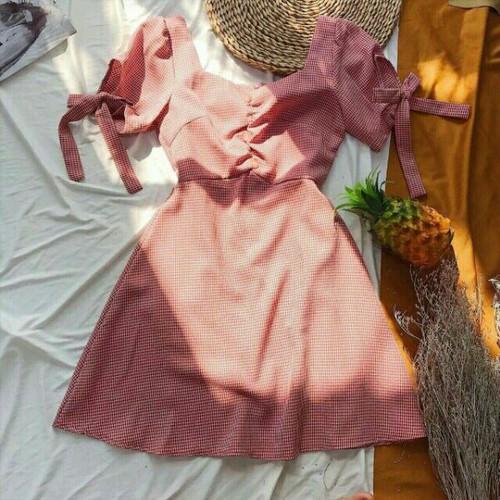 Đầm caro rút ngực