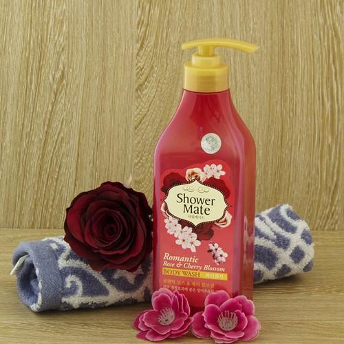 Sữa tắm hương hoa đào mờ rám đen showermate  550ml