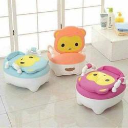 Bô cho bé đi vệ sinh siêu hót