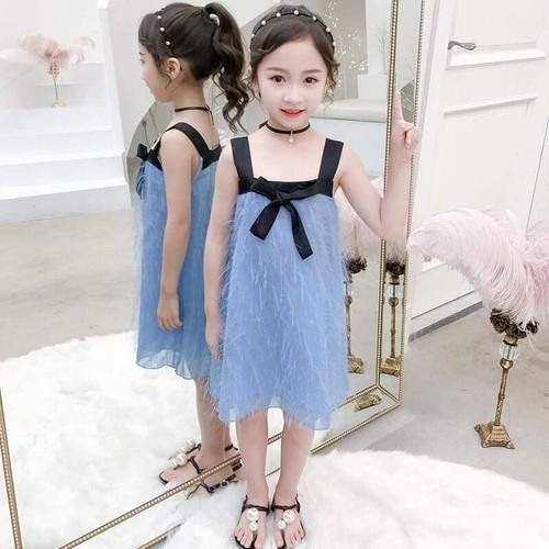 Váy hai dây bé gái