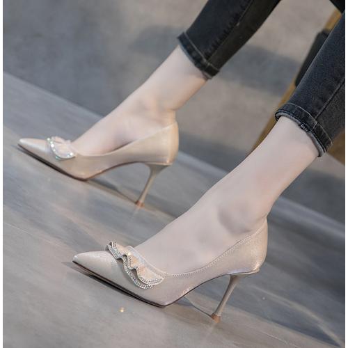 Giày cao gót nữ kiểu dáng sang trọng