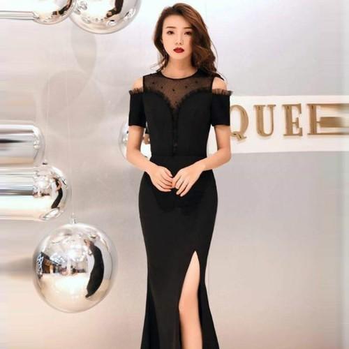 Đầm dạ hội đen sang trọng hở vai lưới đính hạt lấp lánh