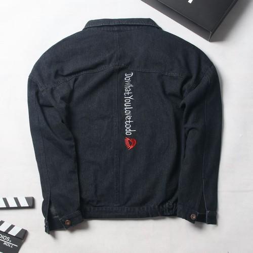Áo khoác jean nam đen thêu chữ trắng sg259 thời trang saosaigon