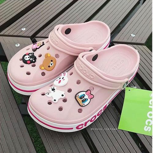 Dép sục cá sấu crocs. bayaband hồng kèm 8jibbitz-sticker giày dép nữ