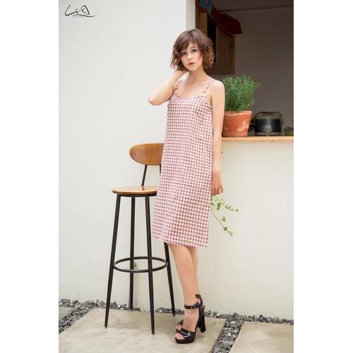 Đầm thiết kế dây linen sọc caro phong cách