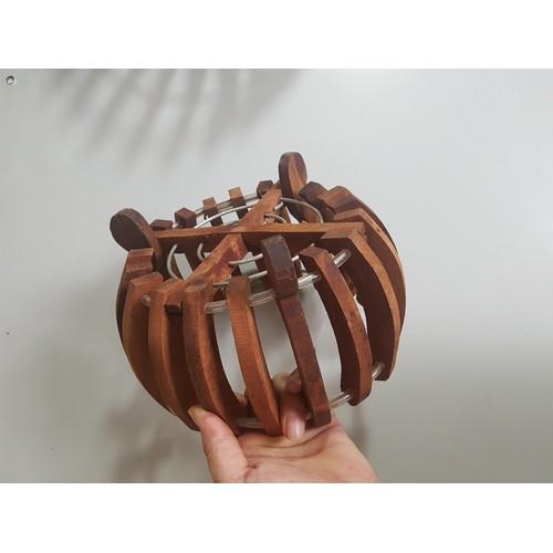 Chậu trồng lan bằng gỗ hình đèn lồng cỡ bé 20cm - gỗ căm xe - 13053951 , 21089603 , 15_21089603 , 130000 , Chau-trong-lan-bang-go-hinh-den-long-co-be-20cm-go-cam-xe-15_21089603 , sendo.vn , Chậu trồng lan bằng gỗ hình đèn lồng cỡ bé 20cm - gỗ căm xe