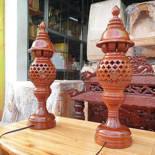 Cặp đèn thờ gỗ xà cừ cao 36 cm loại 1 sản phẩm rất đẹp