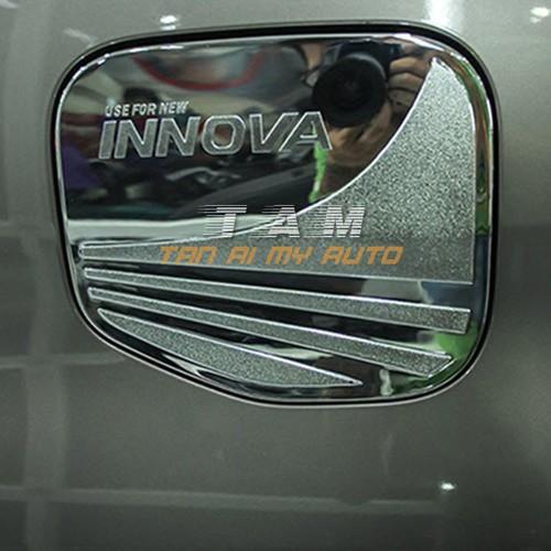 Ốp nắp bình xăng xe innova đời 2018-2019
