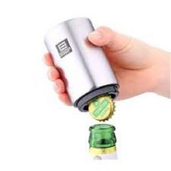 Dụng cụ khui nắp chai bia trợ lực