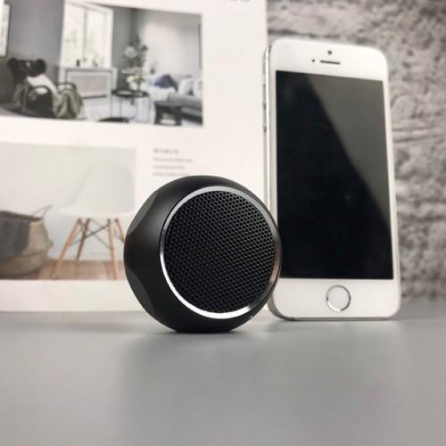 Loa mini bluetooth speaker m10