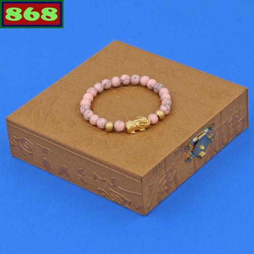 Vòng tay san hô hồng sọc 6 ly tỳ hưu inox vàng vshhsthhbv6 hộp gỗ