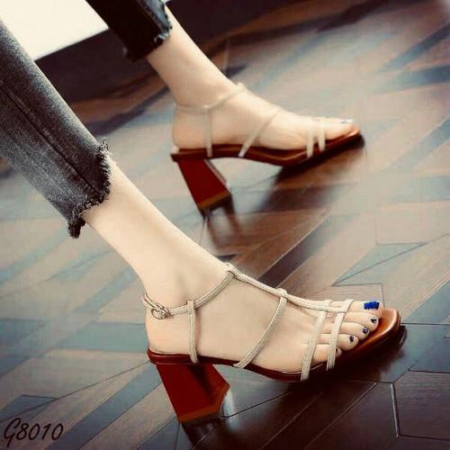 Sandal quai mảnh gót vuông