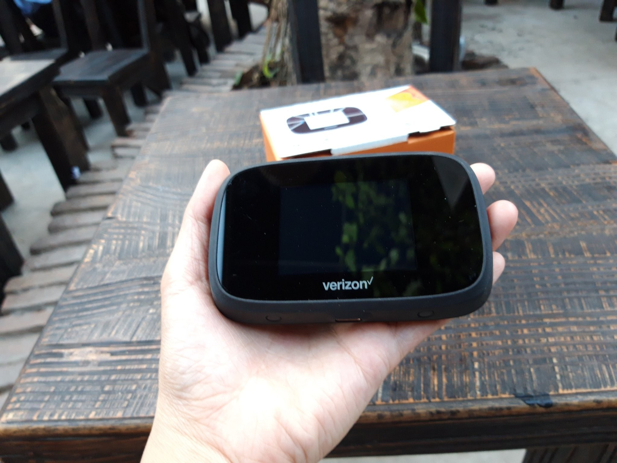 Bộ Phát WiFi 4G Verizon Jetpack MiFi 7730L 13960509   Cửa