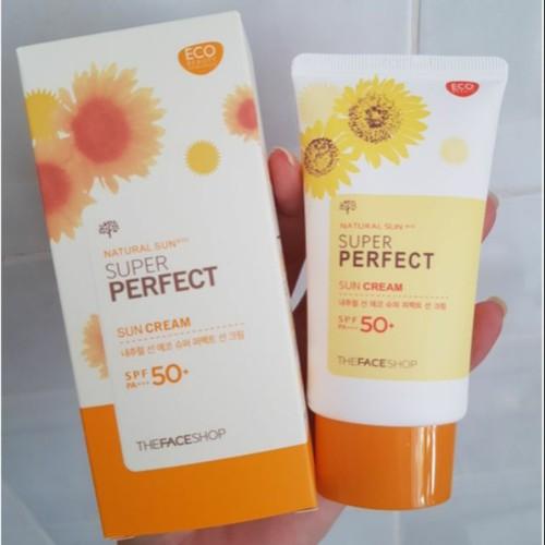 Kem chống nắng Super Perfect Sun Cream hoa cúc