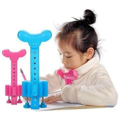Dụng cụ chống gù lưng cho bé