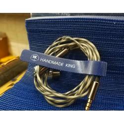 Dây quấn tai nghe dạng dán của Handmade King