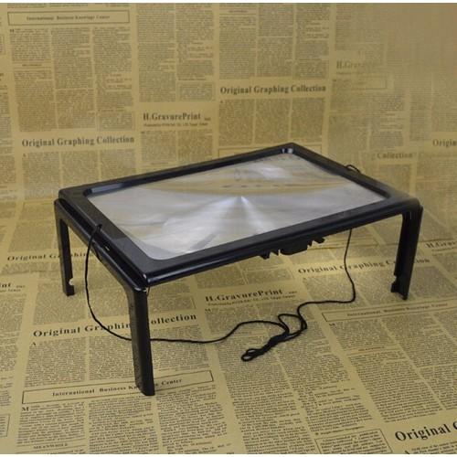 Kính lúp a4 có đèn led dành cho đọc sách báo