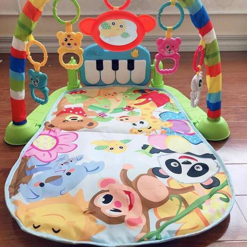 Thảm cho bé nằm chơi có đàn