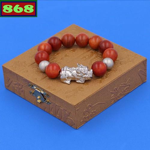 Vòng tay gỗ đỏ 15 ly tỳ hưu inox vgothhbt15 hộp gỗ - 17085855 , 21866574 , 15_21866574 , 190000 , Vong-tay-go-do-15-ly-ty-huu-inox-vgothhbt15-hop-go-15_21866574 , sendo.vn , Vòng tay gỗ đỏ 15 ly tỳ hưu inox vgothhbt15 hộp gỗ