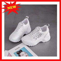 giày nữ màu trắng