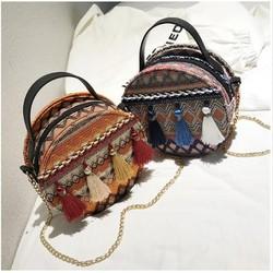 Túi đeo chéo and xách tay nữ thổ cẩm tua rua tròn Onimax DV941