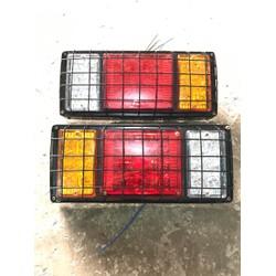 Đèn Hậu ô tô led 3 Nắp Lệch có miếng bảo vệ 24V