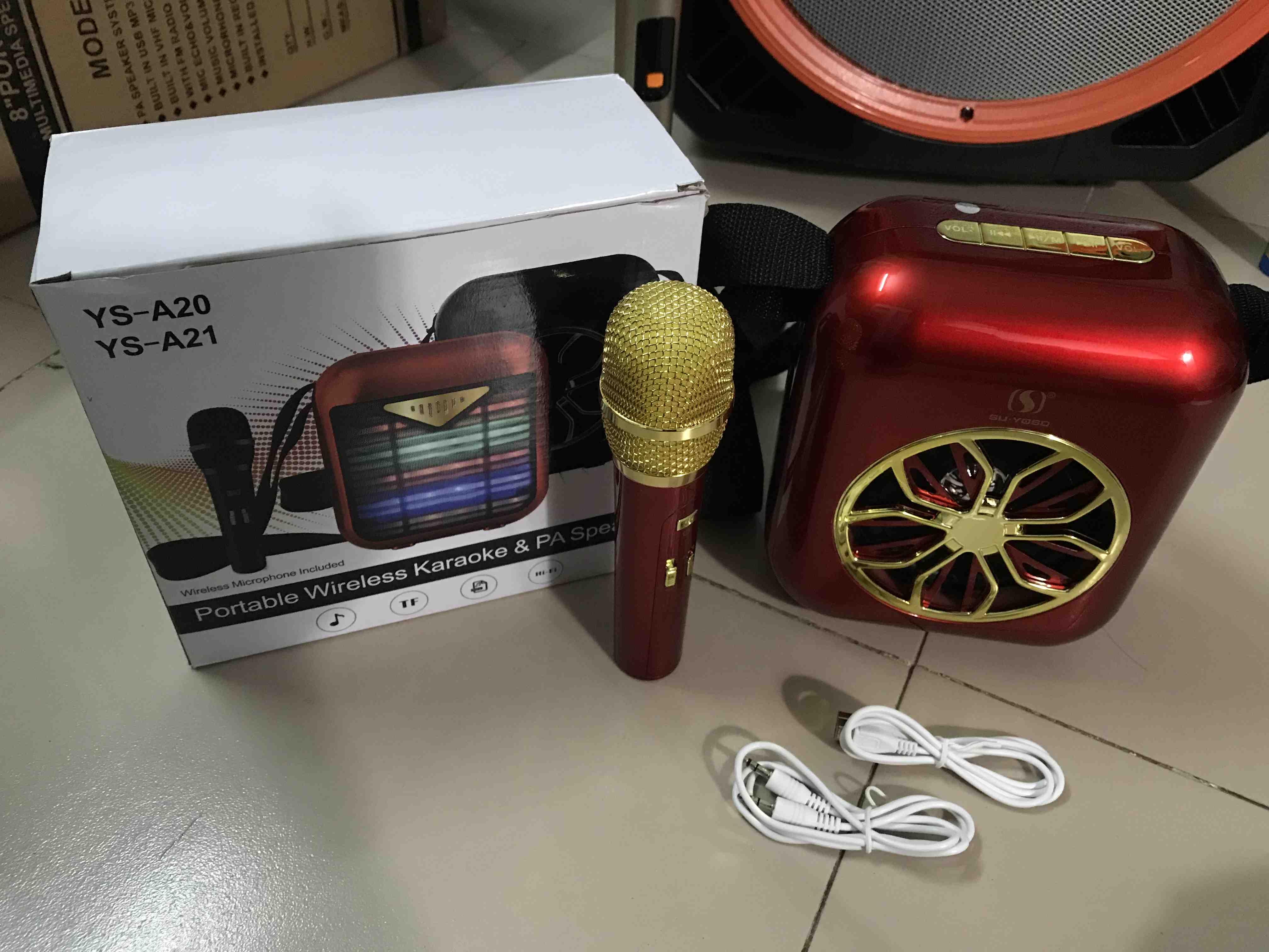 Loa karaoke mini A20 A21 có mic ko dây đen đỏ xanh siêu đẹp có dây đeo, giá  tốt nhất 420,000đ! Mua nhanh tay!