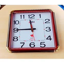 Đ Htreo tường tặng bộ máy đồng hồ trị giá 39k