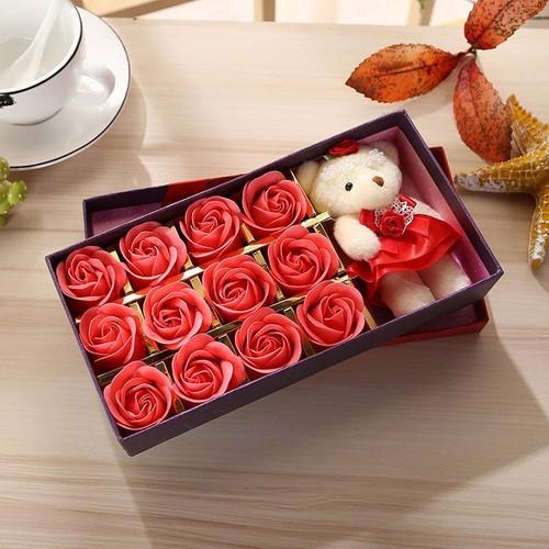 Hoa hồng 12 bông kèm gấu mẫu đẹp quà 20 10