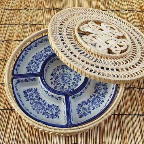 Khay bày bánh kẹo mứt tết đồ ăn gốm sứ bát tràng cao cấp vẽ tay - 17720412 , 22093710 , 15_22093710 , 450000 , Khay-bay-banh-keo-mut-tet-do-an-gom-su-bat-trang-cao-cap-ve-tay-15_22093710 , sendo.vn , Khay bày bánh kẹo mứt tết đồ ăn gốm sứ bát tràng cao cấp vẽ tay