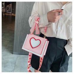 Túi xách quảng châu hình trái tim kèm nơ