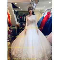 áo cưới tay dài kín đáo chân ren lich sự